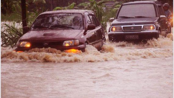 Salon Mobil Banjir Solo Sukoharjo